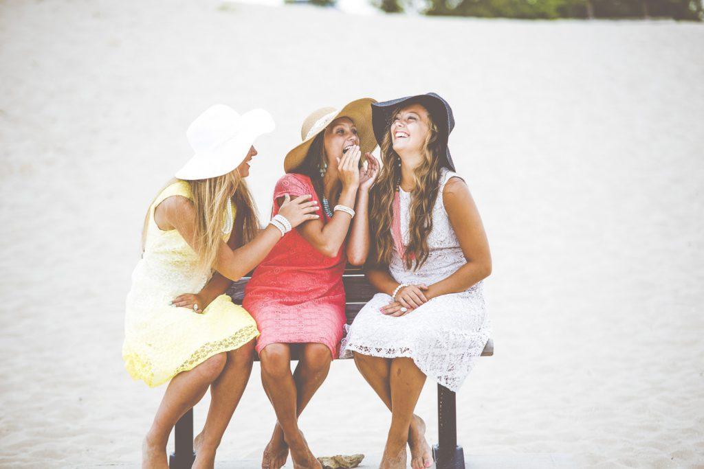 3 filles préparant un enterrement de vie de jeune fille
